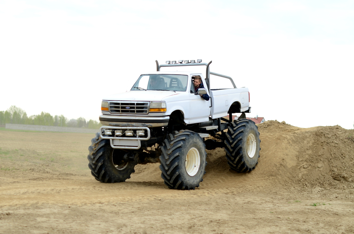 hardcore prezent dla faceta monster truck