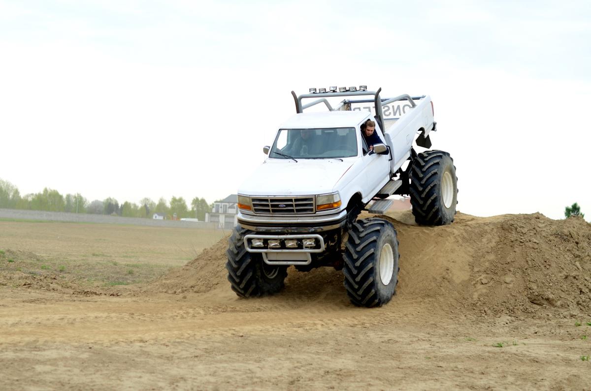 Mój pierwszy raz- ekstremalna jazda Monster truckiem