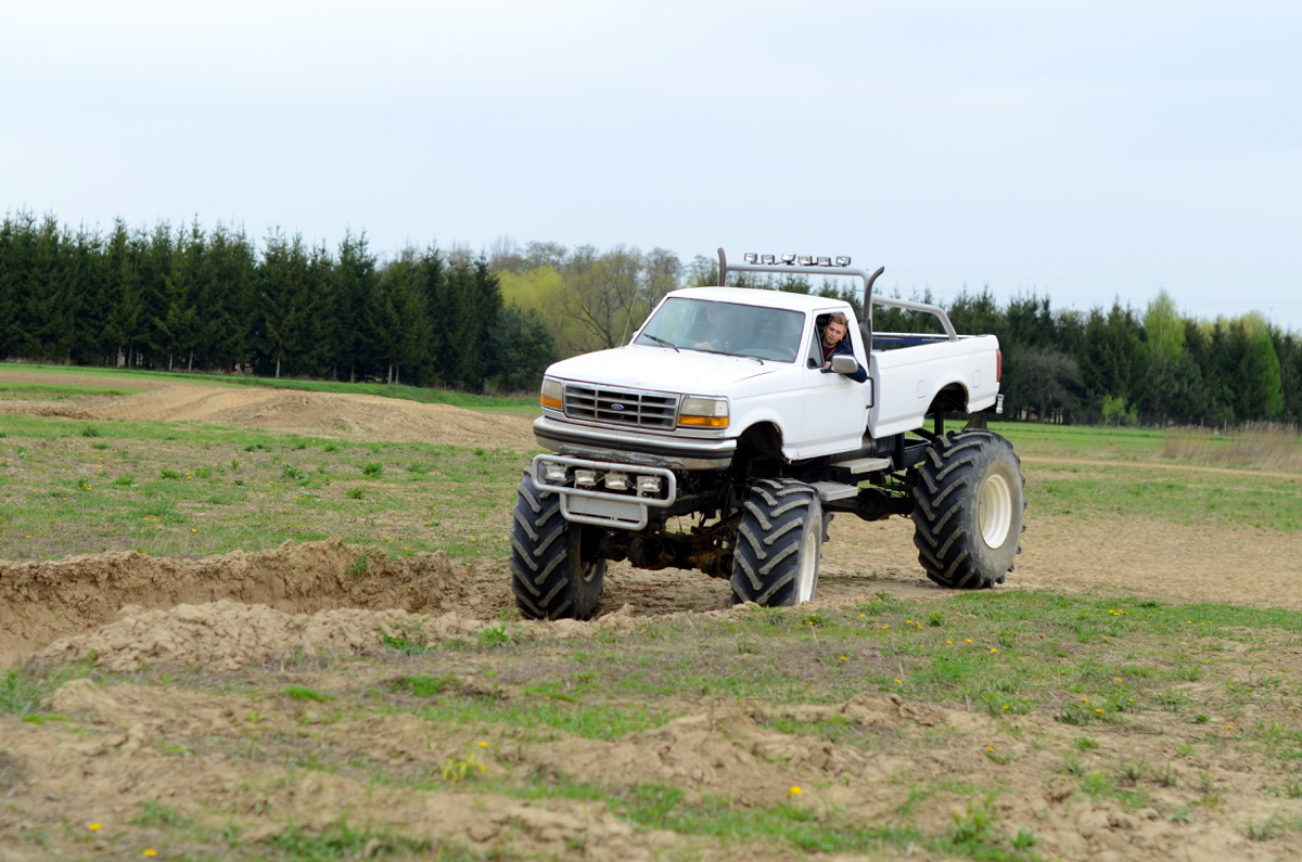 prezent dla faceta monster truck