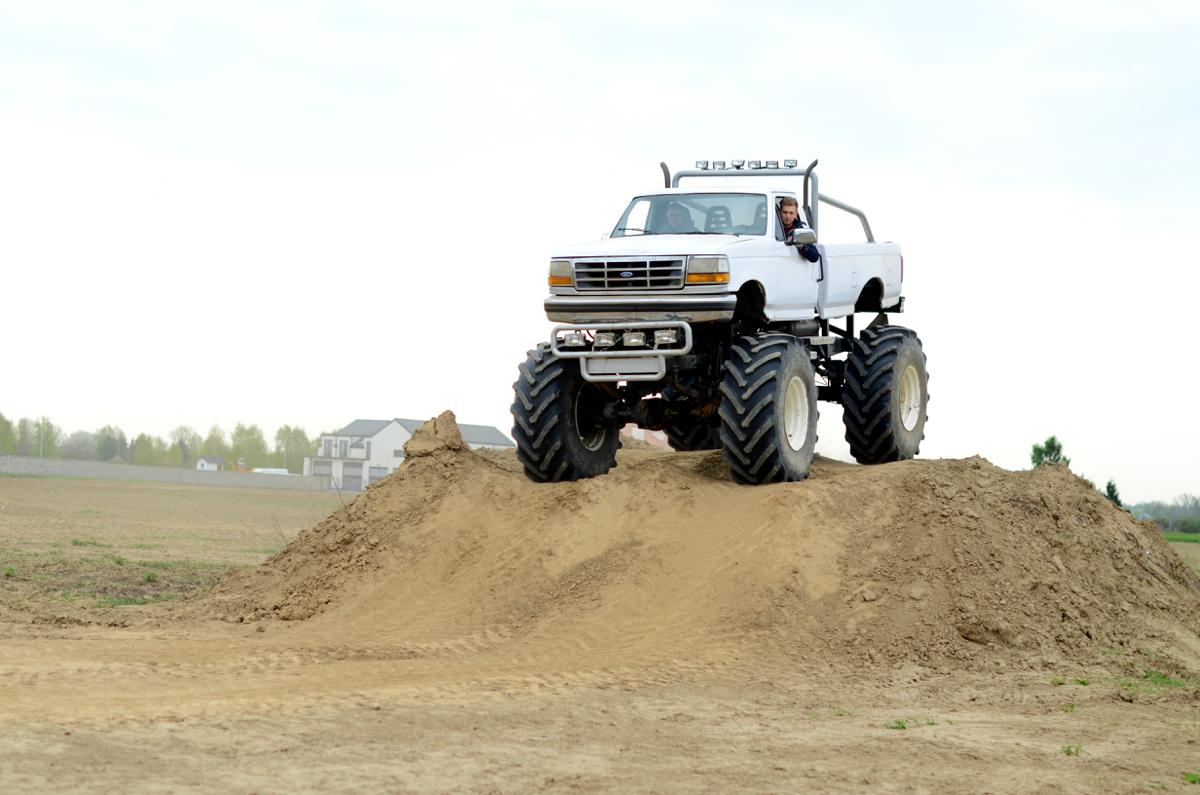 wyjatkowy prezent dla faceta monster truck