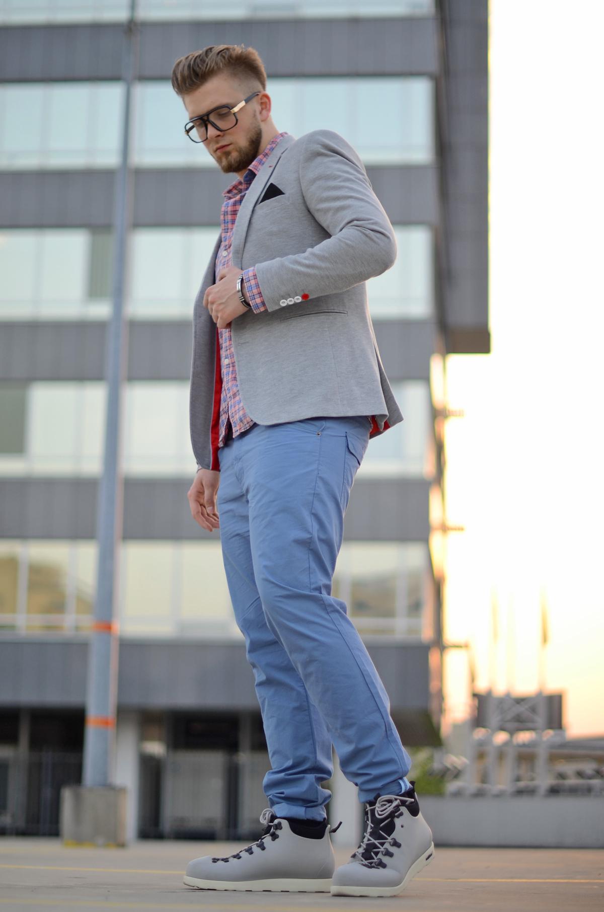 niebieskie meskie spodnie chino