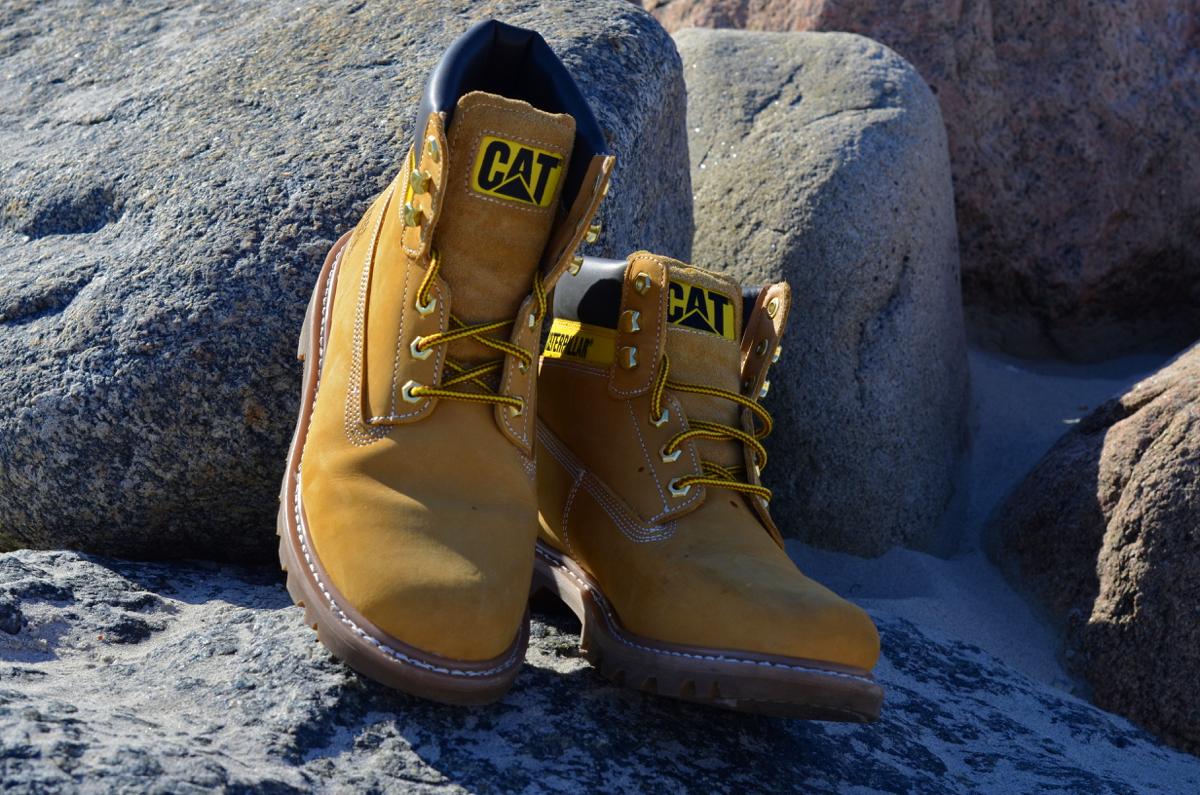 caterpillar shoes2