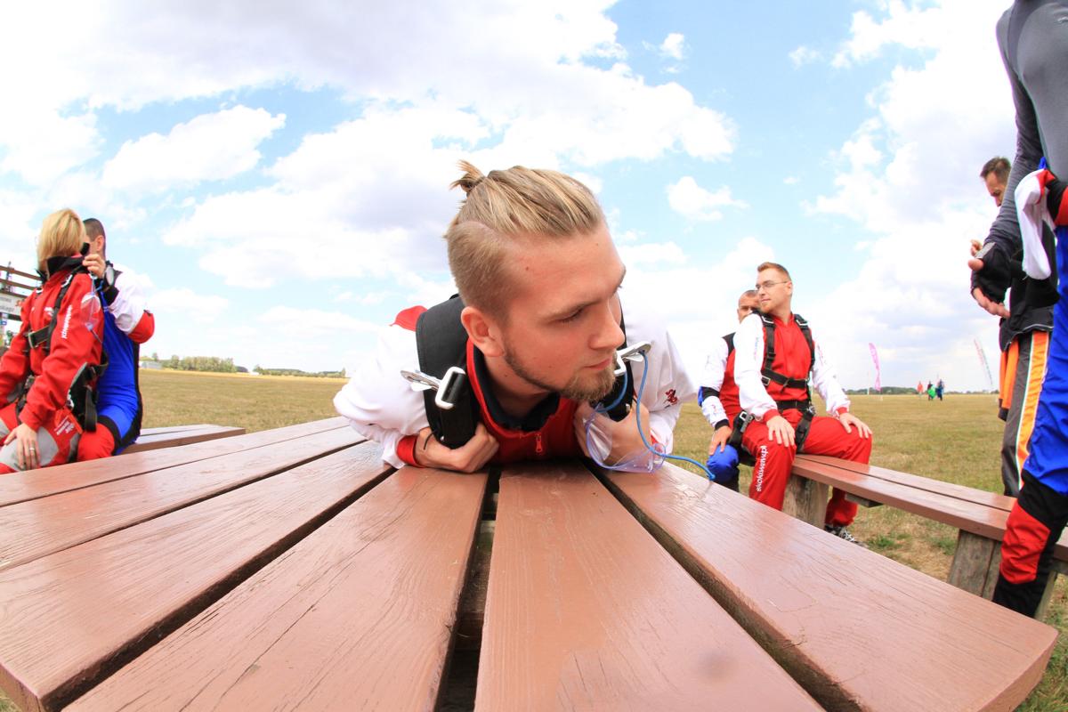 skok ze spadochronem - przygotowania 3
