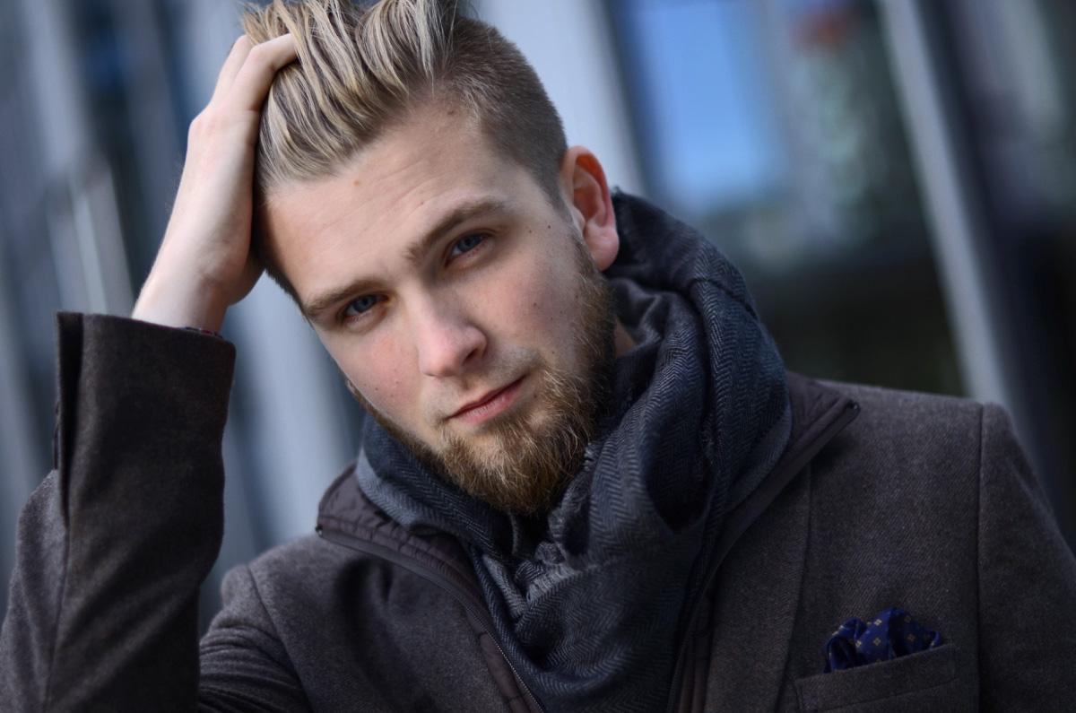 modne fryzury dla faceta