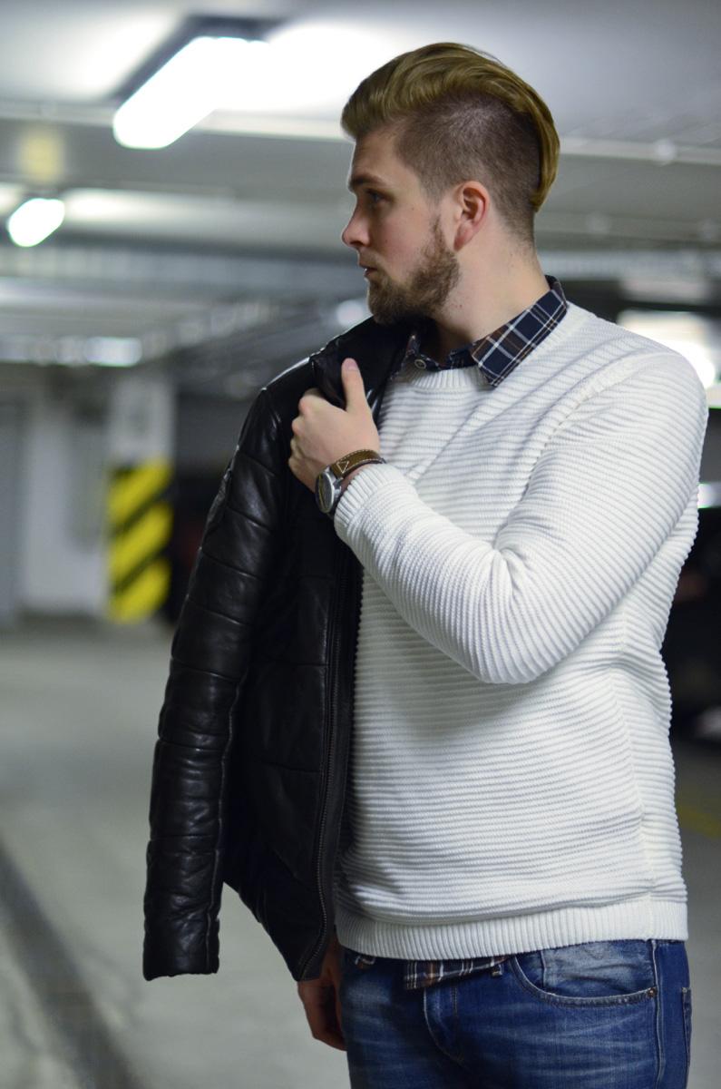 bialy meski sweter