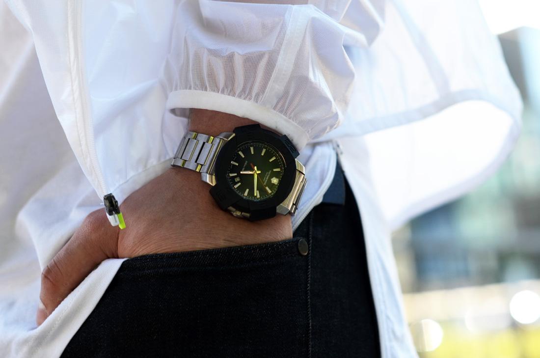 zegarek meski na bransolecie victorinox