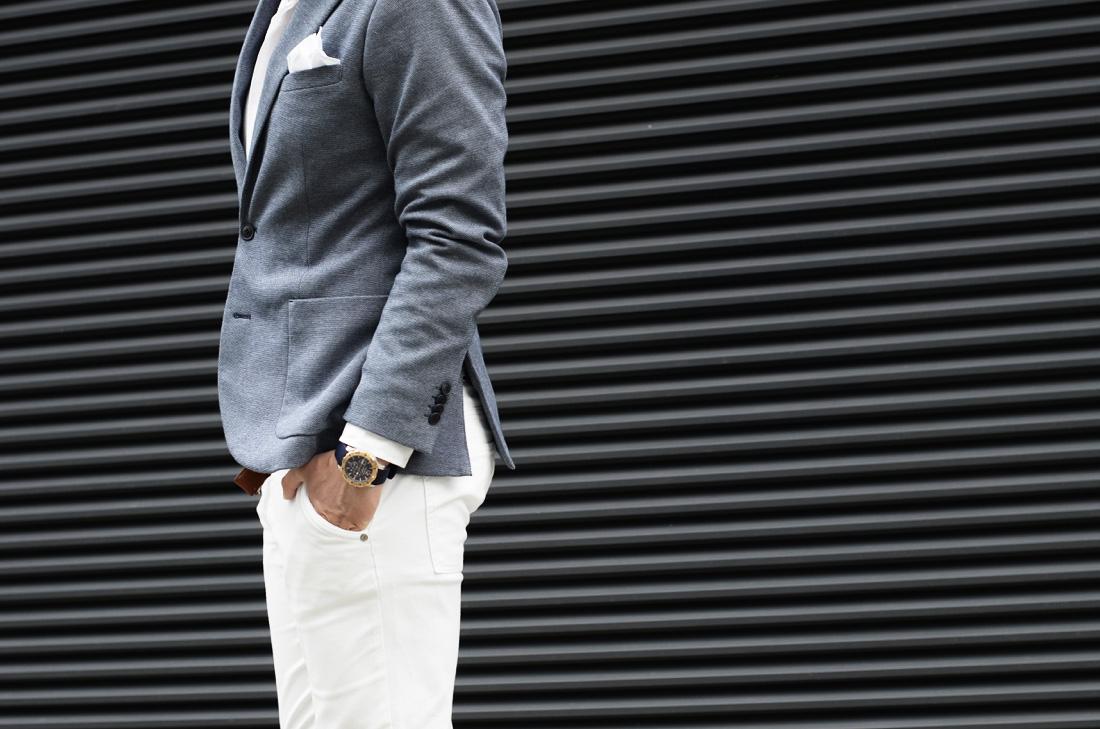 biale spodnie jak nosic lato mezczyzna
