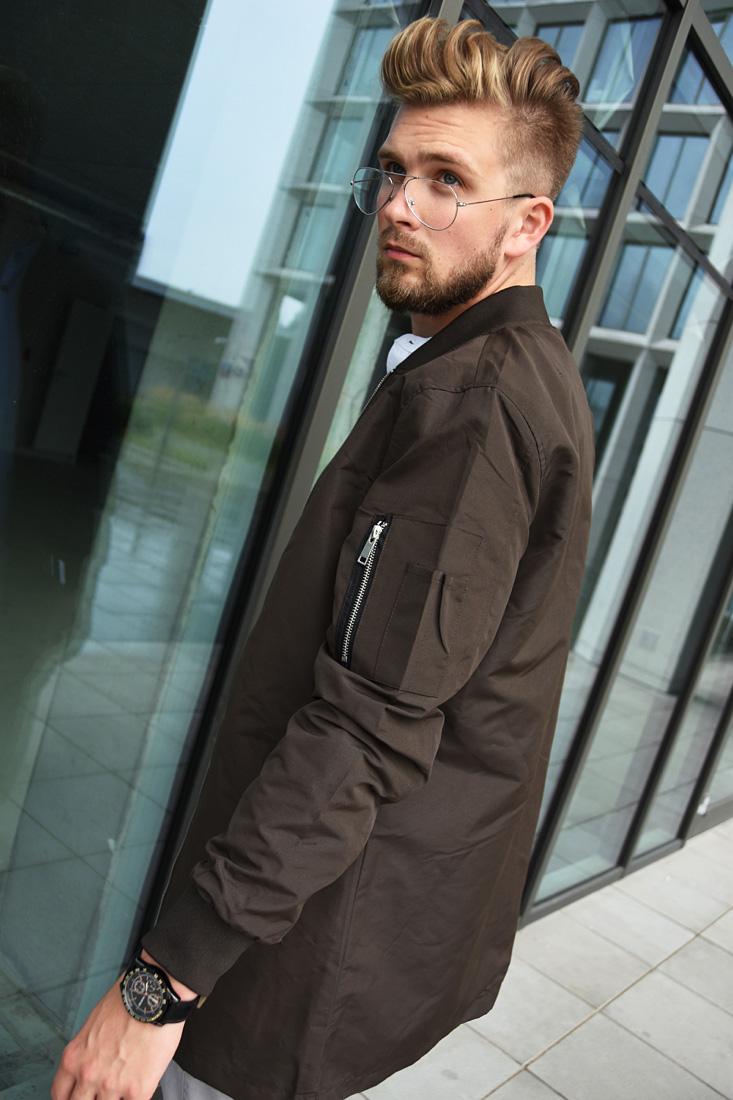 brazowa meska kurtka w stylu bomber