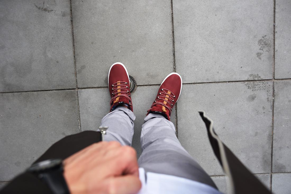 meskie bordowe sneakersy