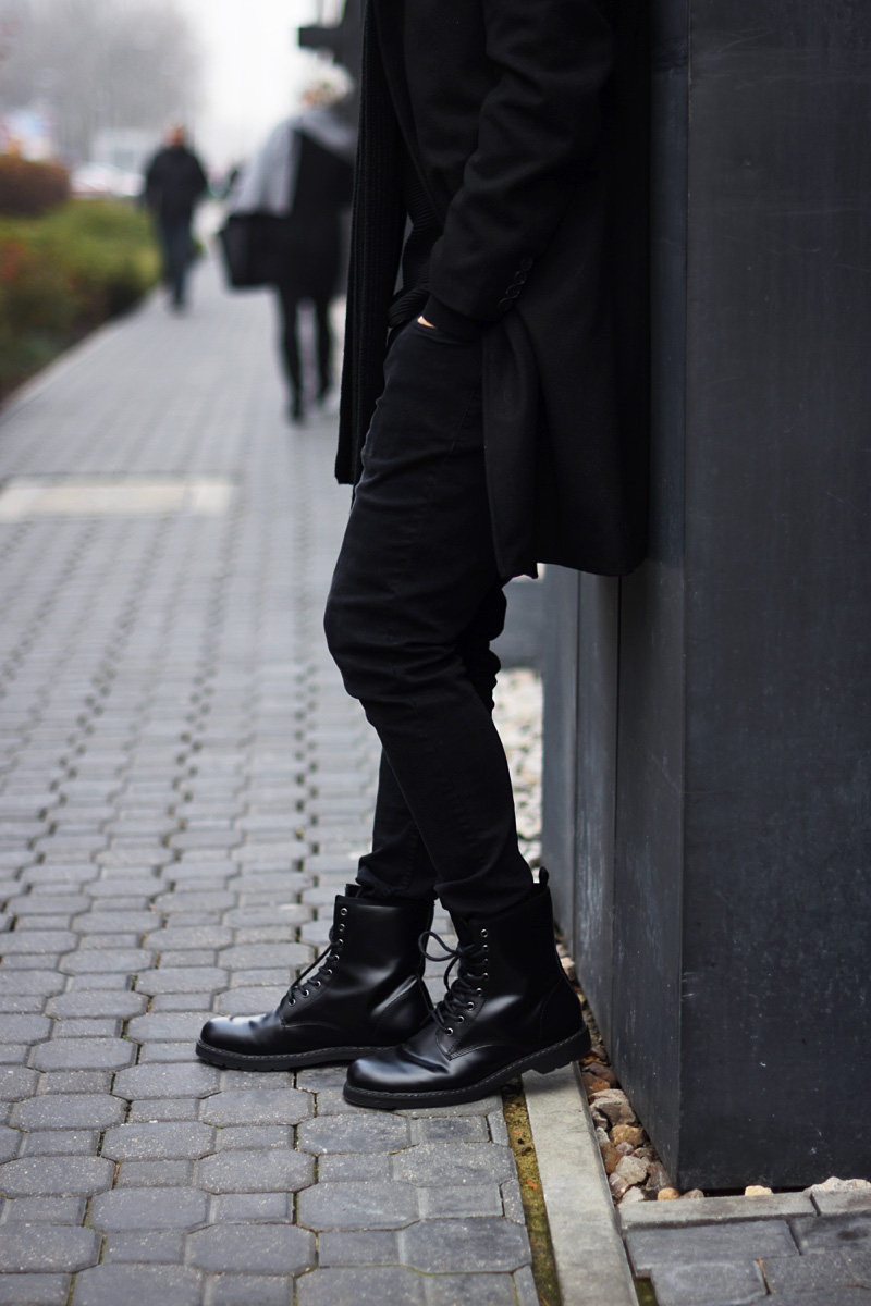 men-all-black-outfit