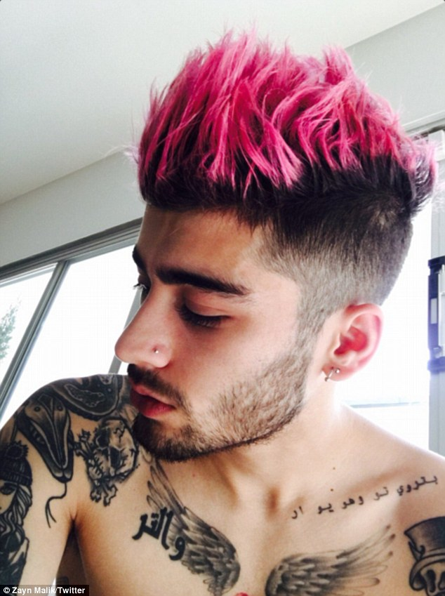 zayn-malik-pink-hair-fryzura