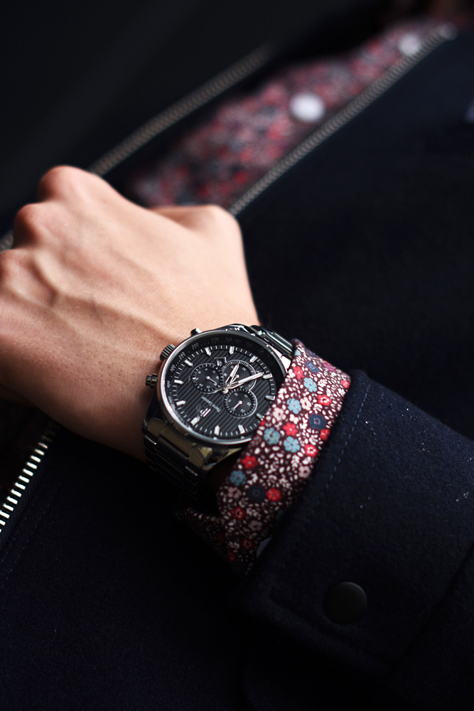 meski zegarek na srebrnej branzolecie