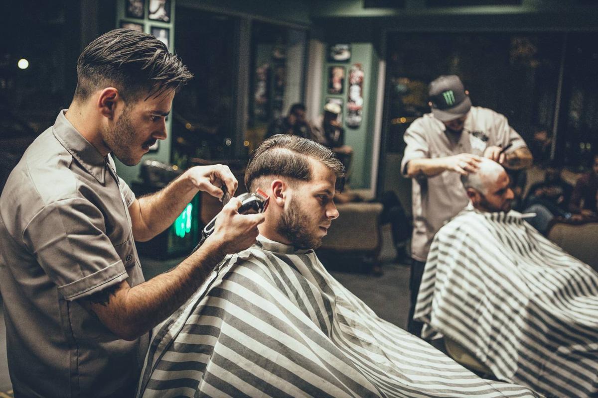 Fryzjer Vs Barber Shop Kto Jest Lepszy Kto Zadba O Włosy