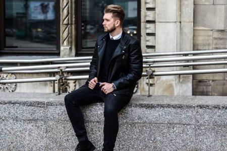 Czarna skórzana kurtka w eleganckim wydaniu