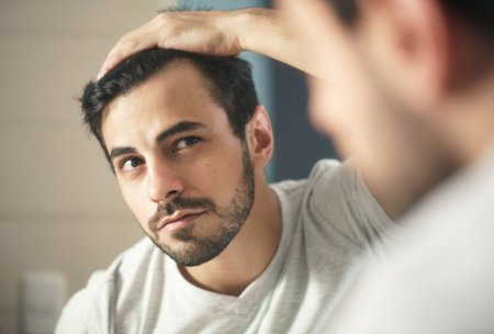 Przeszczep włosów – skuteczny sposób na łysienie?